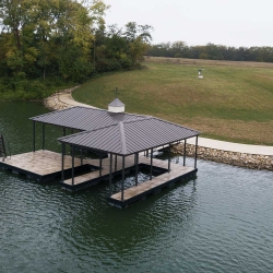 Macs-docs-hip-roof-docks-lake